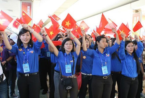 Festival to increase Vietnam – China youth exchanges hinh anh 1