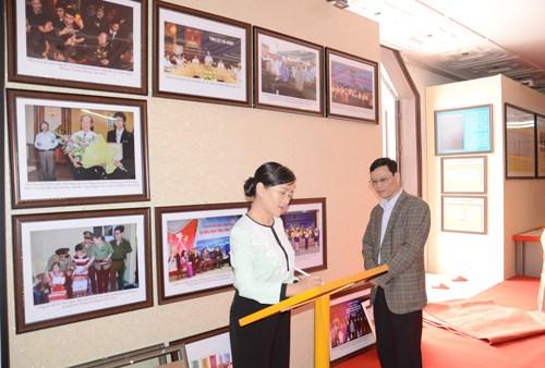 Documents on Hoang Sa, Truong Sa exhibited in Ha Nam hinh anh 1
