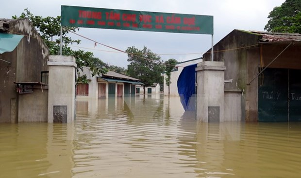 Consecutive floods devastate central provinces hinh anh 1