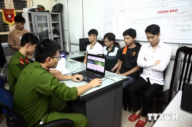Careless social media users allow online scams to flourish hinh anh 1
