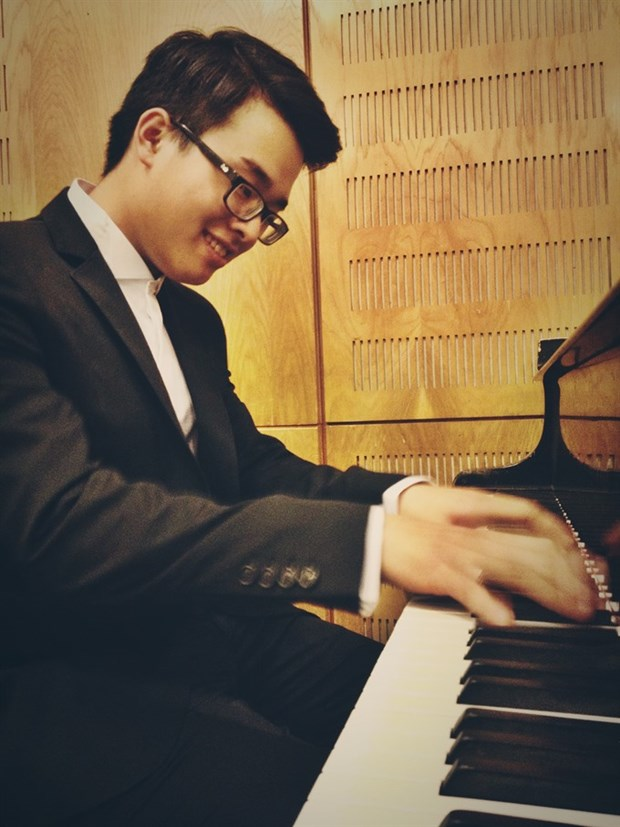Vietnamese student wins third prize at int'l piano contest hinh anh 1