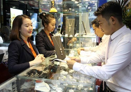 Vietnam int'l jewelry fair opens in Ho Chi Minh City hinh anh 1