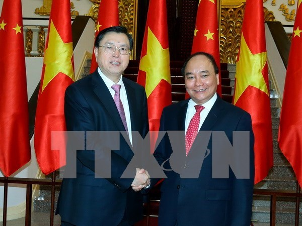 Prime Minister affirms importance of friendship with China hinh anh 1