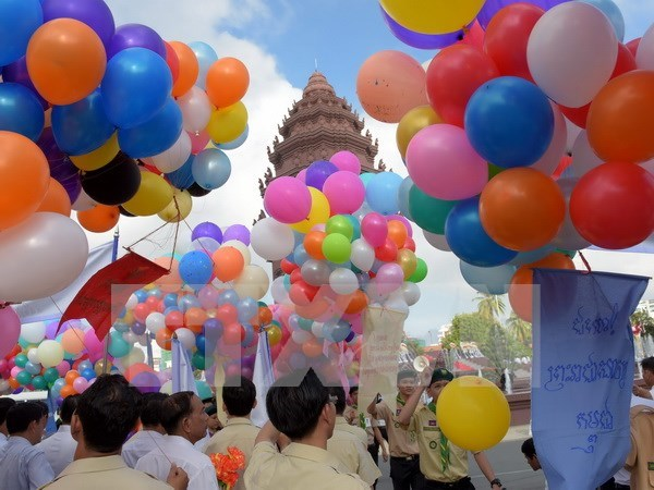 Cambodia celebrates 63rd Independence Day hinh anh 1