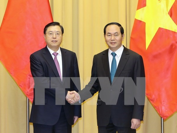 President: Vietnam wants to develop stable ties with China hinh anh 1