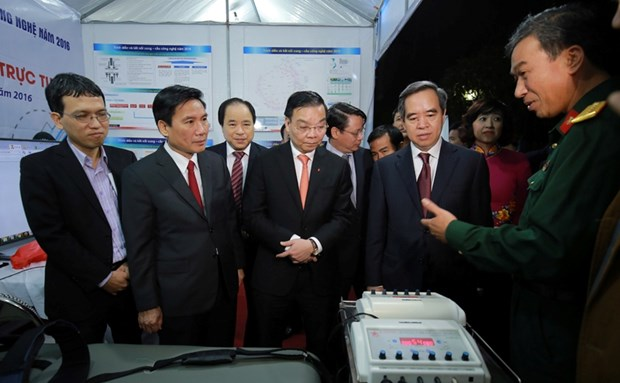 Forum seeks to boost technological cooperation, transfer hinh anh 1
