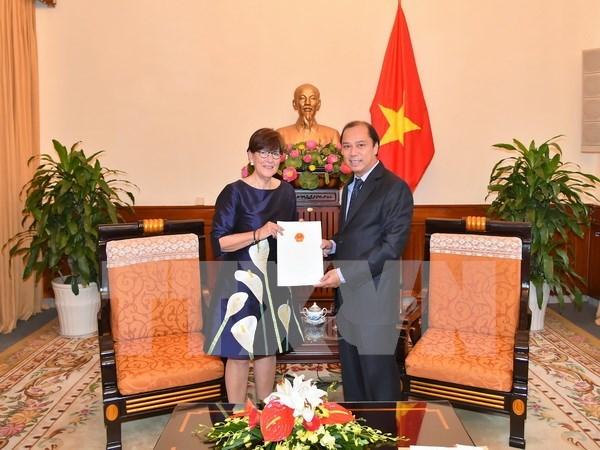 Vietnam recognises Belgian Consul General to Hanoi hinh anh 1