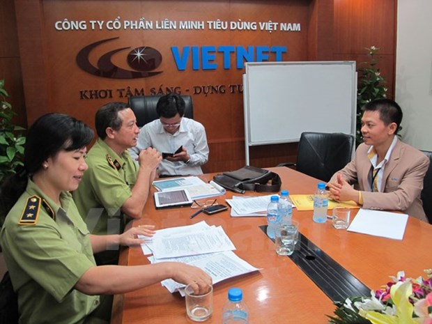 Many pyramid scheme firm's licences revoked hinh anh 1