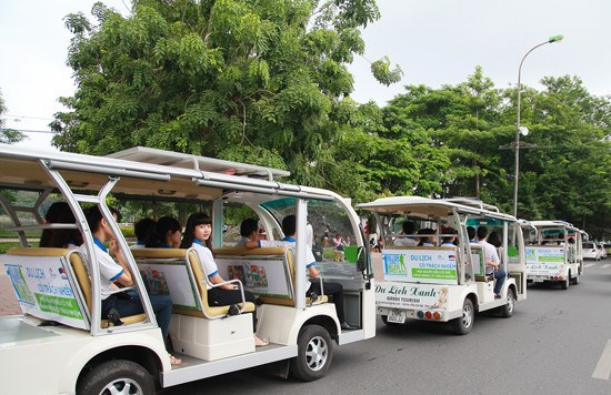Hoi An to launch electric cars for tourists hinh anh 1