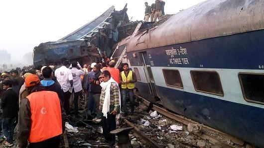 Vietnamese leaders condole with India over train accident hinh anh 1