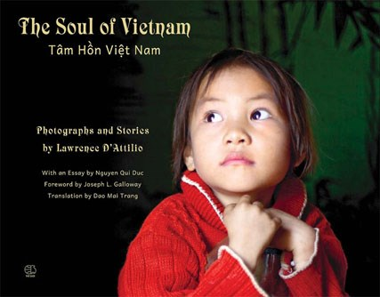 US photographer launches Vietnam photo book hinh anh 1