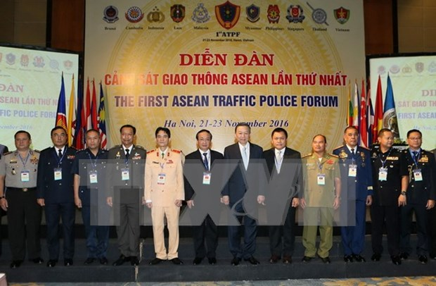 ASEAN police share experience in enduring traffic safety hinh anh 1