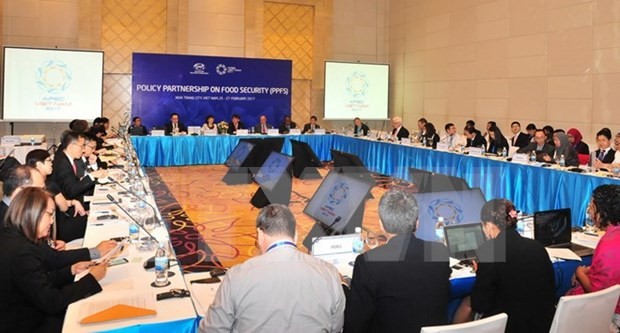 APEC officials discuss possible free trade area for Asia-Pacific hinh anh 1