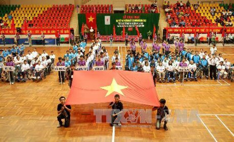 Over 1,000 athletes, coaches competes in 18th National Para Games hinh anh 1