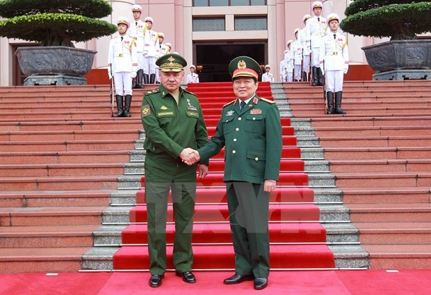 Vietnam, Russia strengthen defence partnership hinh anh 1