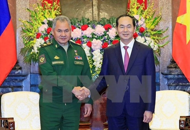 Defence cooperation important to Vietnam-Russia ties: President hinh anh 1
