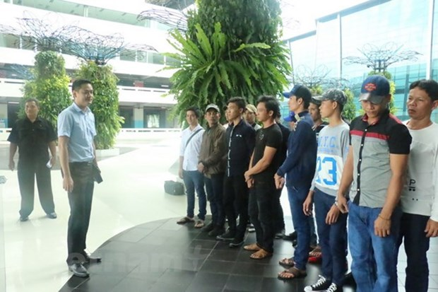 Indonesia returns 16 Vietnamese fishermen ahead of Tet hinh anh 1