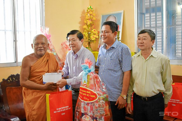 Greetings to Khmer people on traditional New Year hinh anh 1