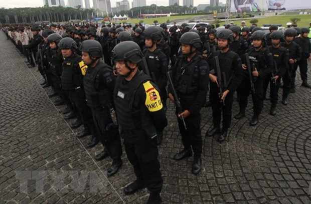 Indonesia deploys 20,000 policemen to secure May Day rally hinh anh 1
