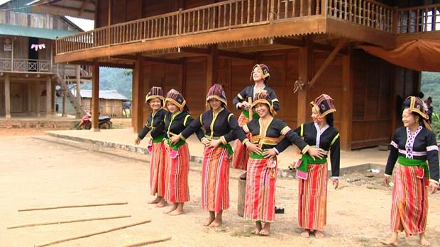 Classes preserve Cong ethnic minority's folk art hinh anh 1