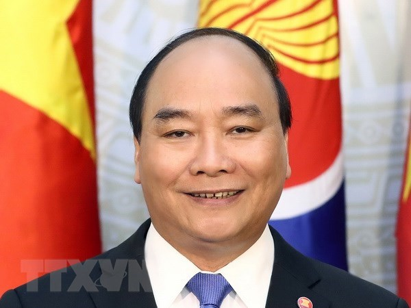 Prime Minister leaves for 8th ACMECS, 9th CLMV in Thailand hinh anh 1