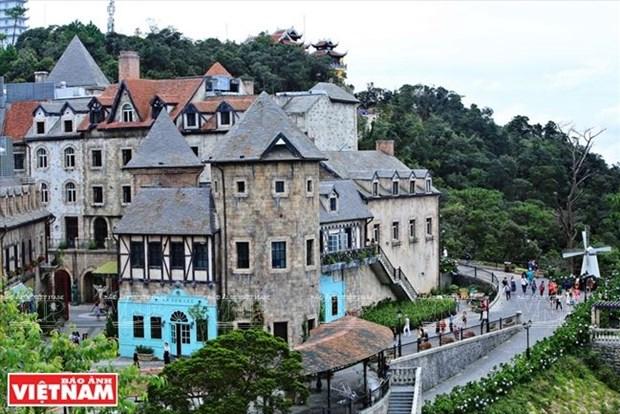 Tourism contributes greatly to Da Nang's economic development hinh anh 1
