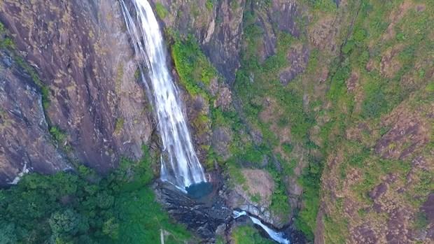 Primitive landscape turns mountainous village into tourist site hinh anh 4
