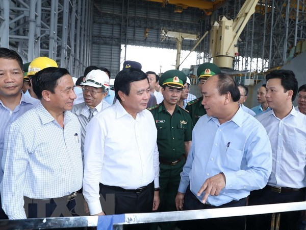 PM inspects environment at Formosa Ha Tinh steel company hinh anh 1