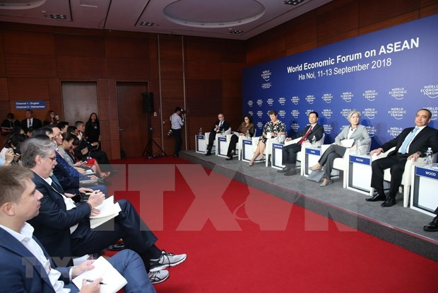 WEF on ASEAN co-chairs share views of forum hinh anh 1