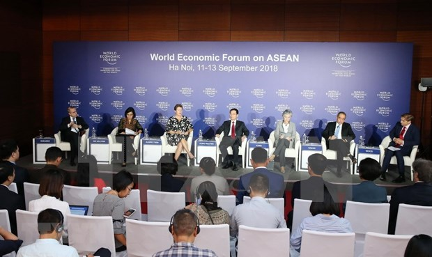 WEF on ASEAN co-chairs share views of forum hinh anh 3
