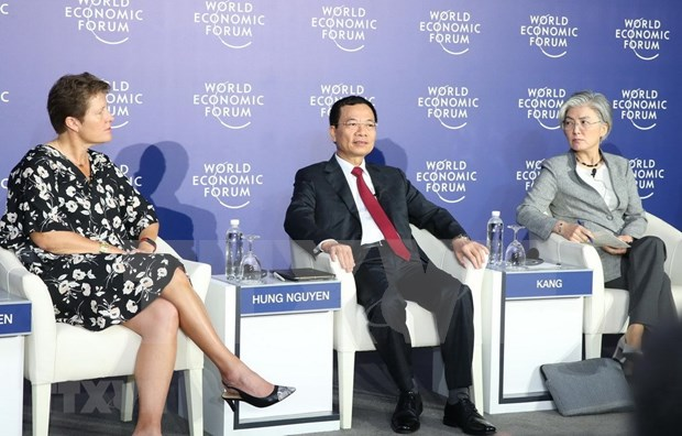 WEF on ASEAN co-chairs share views of forum hinh anh 2