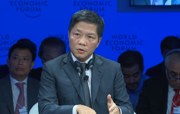 Minister: Vietnam's e-commerce is growing fast in 4IR hinh anh 1