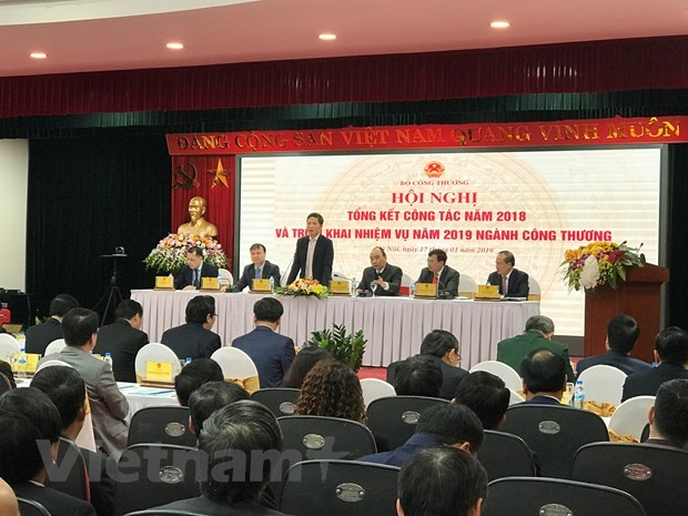 Vietnam must be factory of the world: Prime Minister Nguyen Xuan Phuc hinh anh 2