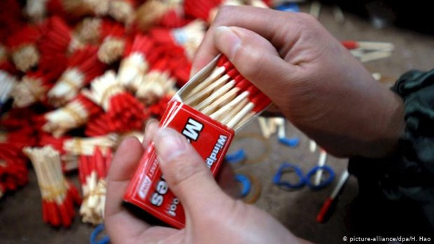 Matchstick factory fire kills 24 in Indonesia hinh anh 1