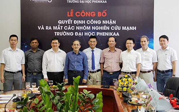 Strong research teams: Race for talent attraction hinh anh 3