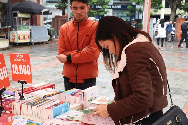 Fight against unlicensed publications becomes more complicated hinh anh 2