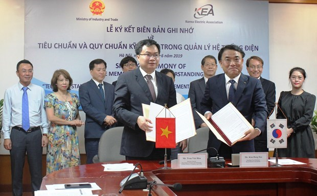 Vietnam, RoK sign MoU on electricity system management hinh anh 1