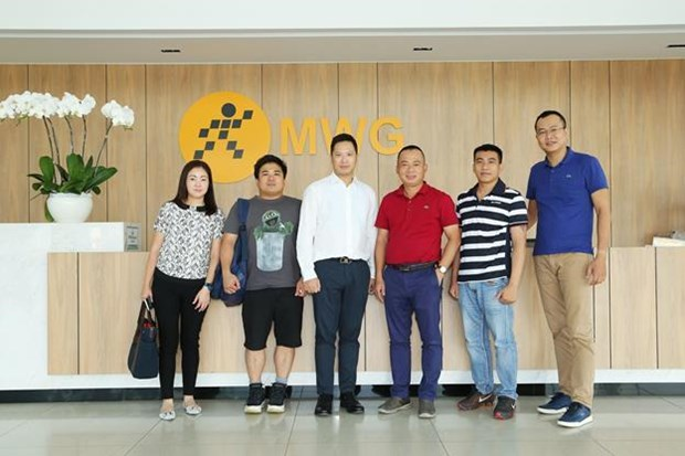 Mobile World becomes exclusive distributor of Richburry hinh anh 3