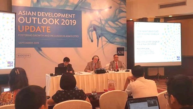 Vietnam's economy maintains healthy growth till 2020: ADB hinh anh 1