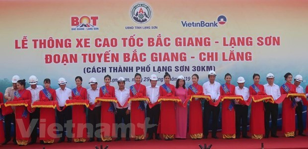 Deputy PM orders technical opening of Bac Giang – Lang Son expressway hinh anh 2