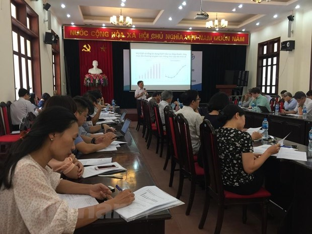 Vietnam's economic growth has yet to reach strategic goal: expert hinh anh 3