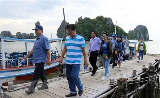 Kien Giang: Ha Tien seeks ways to boost tourism hinh anh 1