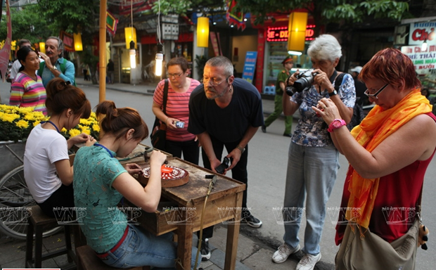 Hang Bac street - birthplace of Hanoi's silver jewellery hinh anh 2