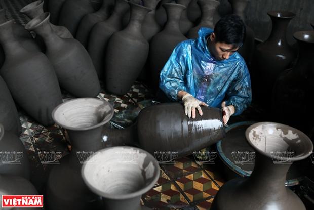 Formation, development of Ha Thai lacquerware craft village hinh anh 2