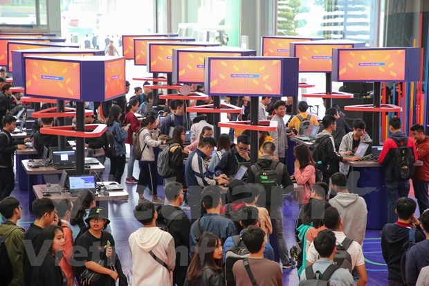 FPT Techday 2019 shows off smart technologies hinh anh 12