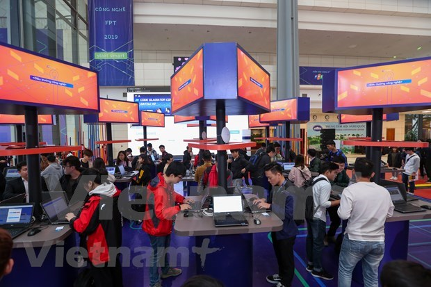 FPT Techday 2019 shows off smart technologies hinh anh 13