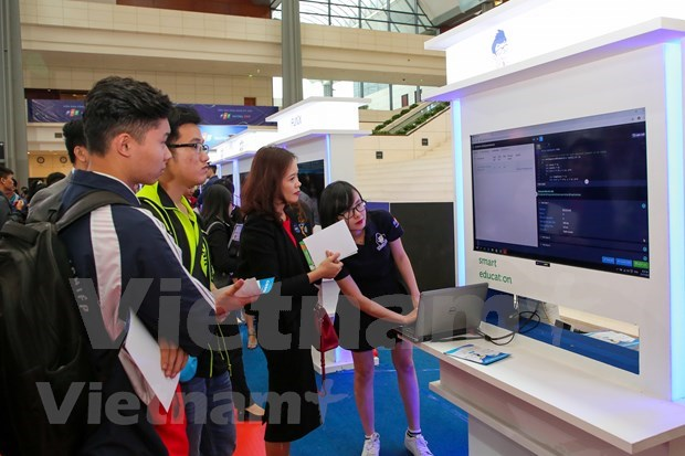 FPT Techday 2019 shows off smart technologies hinh anh 5