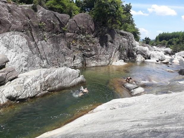 Tra Boi Stream – hidden charm of Quang Ngai province hinh anh 1