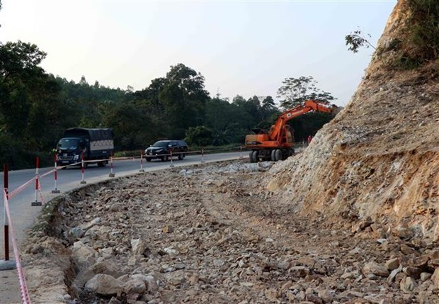 Road accidents leave 22 dead on Lunar New Year hinh anh 1
