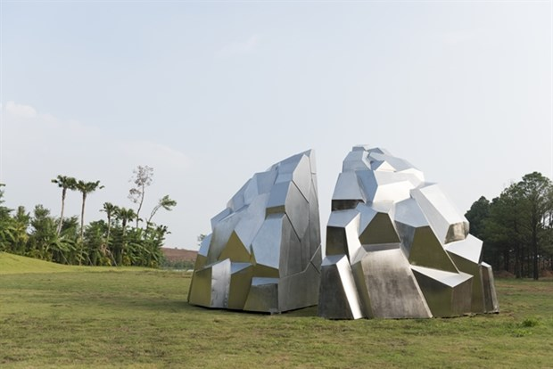 French sculptor realises dream in Vietnam hinh anh 1